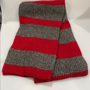 GAP scarf Red & Gray 100% Lambs' Wool (vintage)